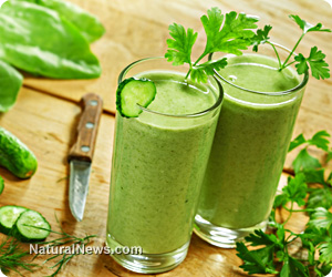 Fight cancer with organic green shakes every day