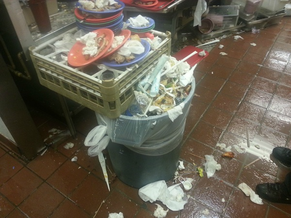 Shocking photos and video shows Golden Corral more disgusting than a cow feedlot Golden Corral dishes 2 600