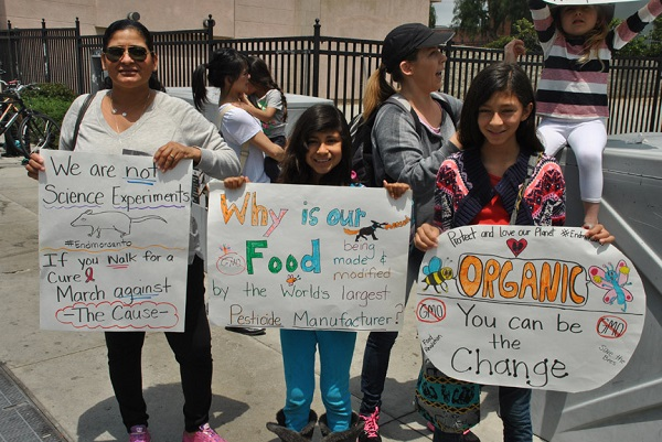 March-Against-Monsanto-family.jpg