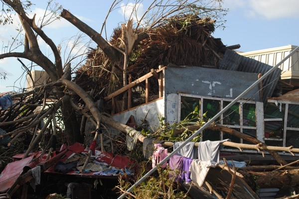 With 10,000 now believed dead, yet another typhoon bears down on devastated Philippines Philippines Typhoon Devastation 1