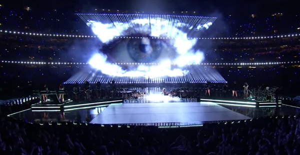 http://www.naturalnews.com/gallery/articles/Superbowl-halftime-Beyonce-Eye-of-Sauron.jpg