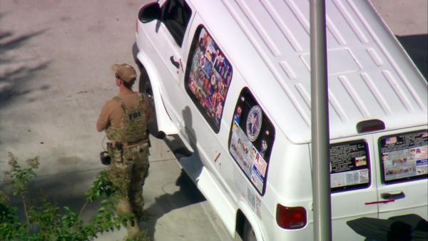 [Image: Bomb-Suspect-Van-600.jpg]