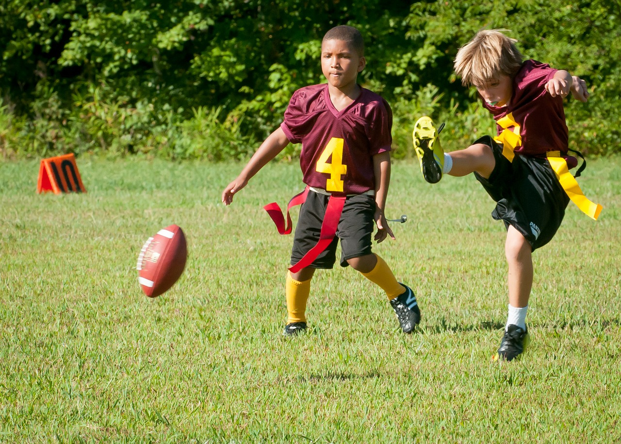 Image: Football alters young kids brains – even before concussions