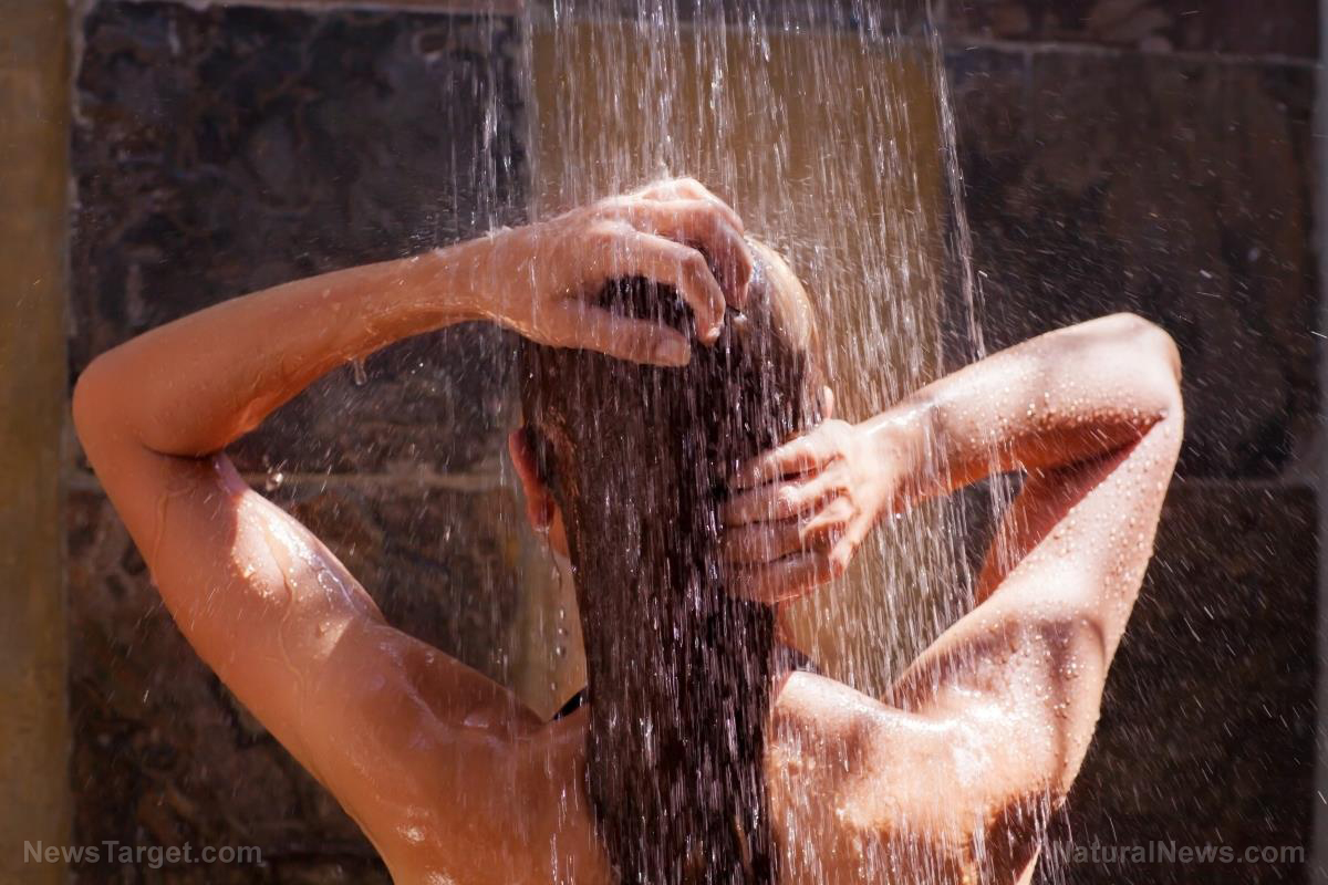 Image: Singing in the shower every morning will make you happy, experts say