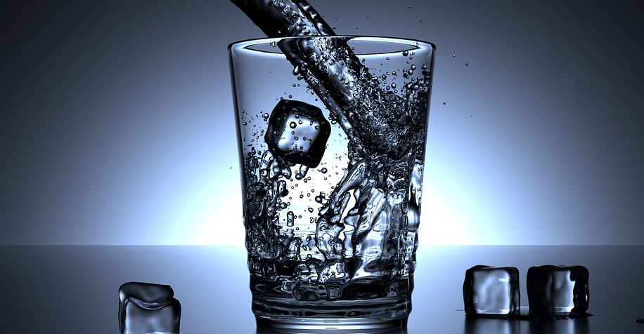Image: Consuming silicon-rich water or foods can purge your body of up to 70% of the of aluminum in your bloodstream