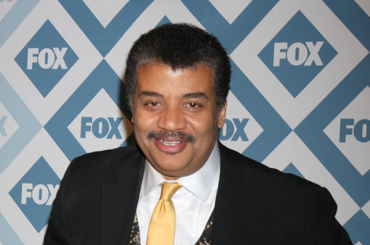 "Image: Neil deGrasse Tyson becomes the voice of EVIL, narrating new propaganda film ""Food Evolution"" produced by Monsanto shills and pesticide pushers"