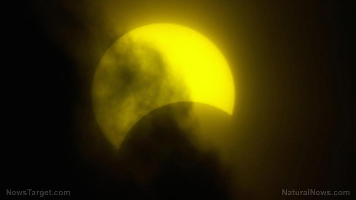 Partial Solar Eclipse Sun Moon Earth Shadow