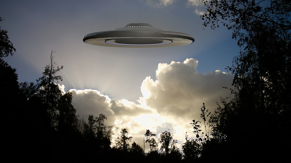 "Image: Former Pentagon official confirms: UFOs ""proved beyond reasonable doubt"""