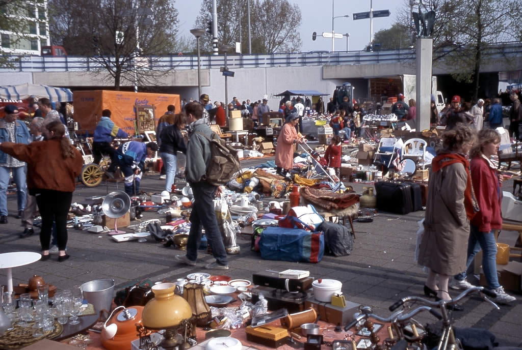 "Image: Collapsing Venezuela's chronic shortages have led to creation of ""medical flea markets"""
