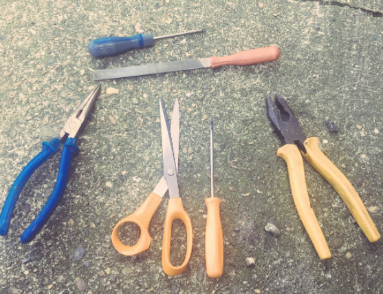 "Image: London police ""weapons sweep"" is nabbing workers with tool boxes full of pliers, scissors and screwdrivers"