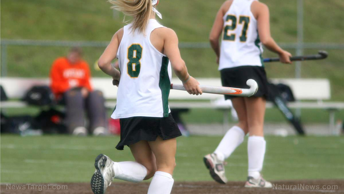 Image: Study: Protective headgear for girls' lacrosse players increases concussion risk because players become more aggressive