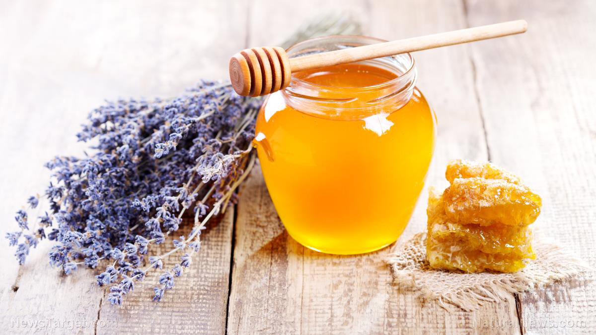 Image: Dump your TOXIC facewash for this healthy alternative: HONEY