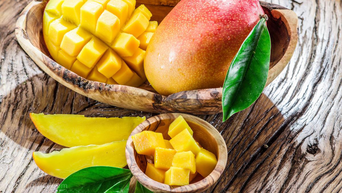 Image: Eating a mango every day prevents constipation