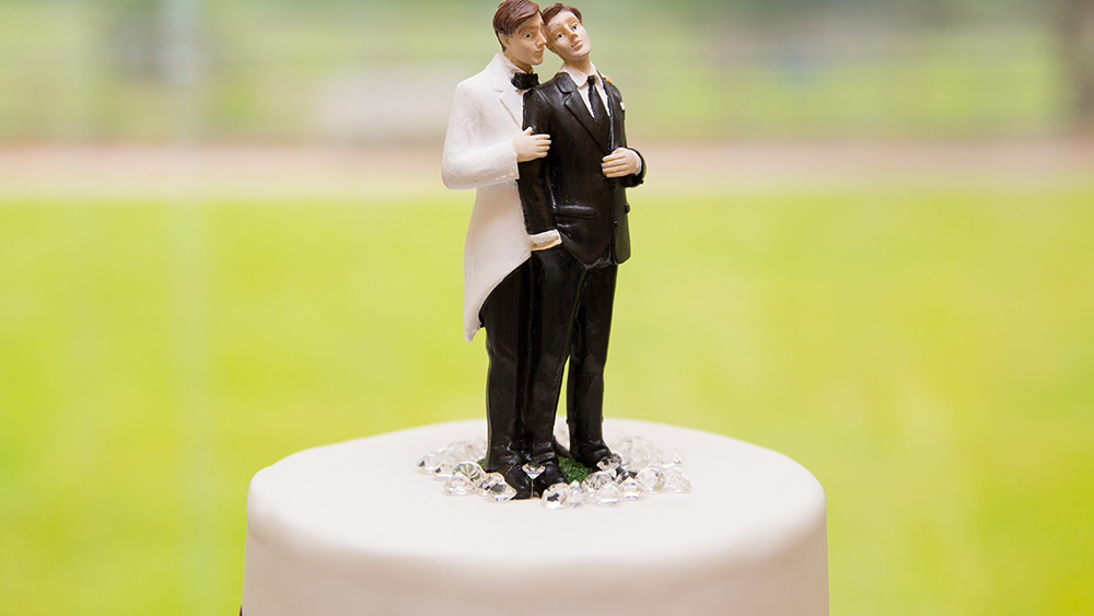 Image: GAY MAFIA handed huge defeat in 7-2 U.S. Supreme Court decision involving a Christian baker