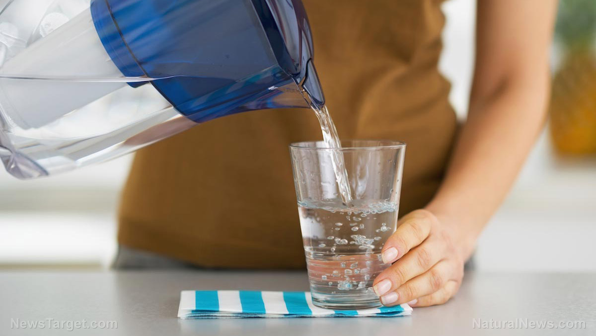 Image: Start fighting obesity tomorrow with this simple, easy step: Drink only water with your meals