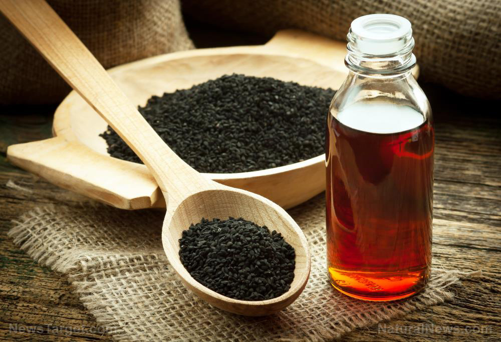 Image: Do your knees hurt? A scientific study shows black cumin seed oil reduces knee pain