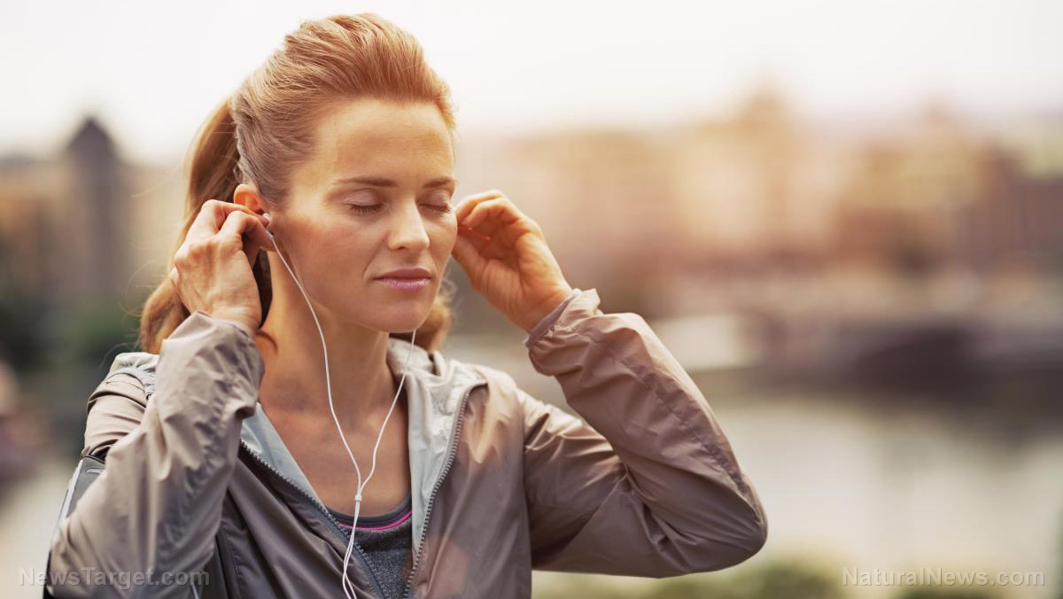 Image: Listening to music and videos while you work out can distract you from how hard you're working, improving performance