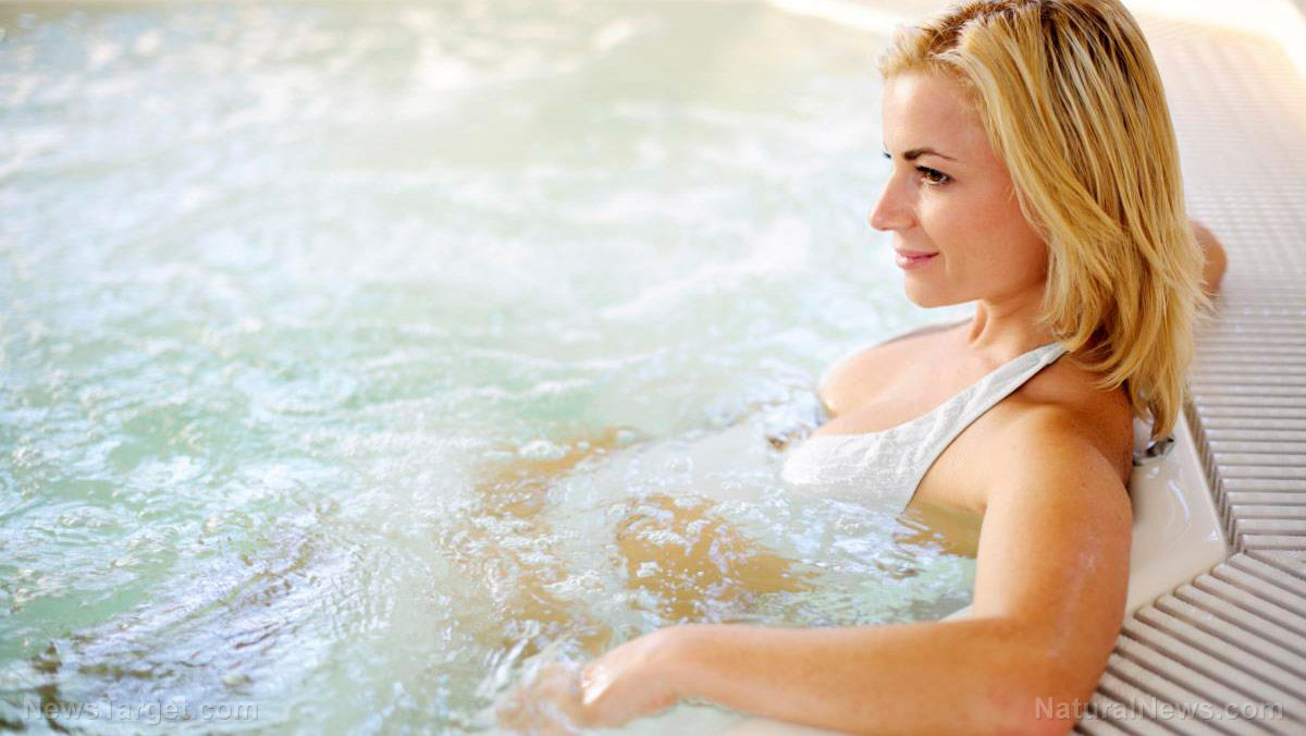 Image: Here are 6 reasons to soak in a hot tub