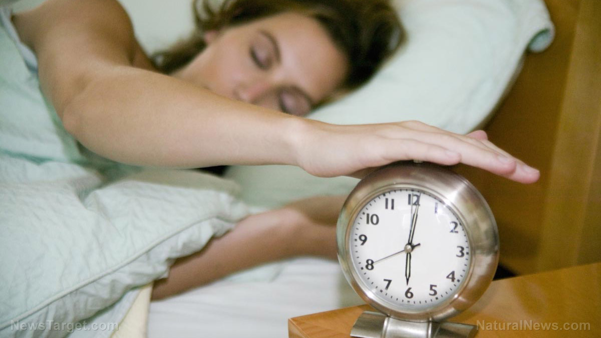 Image: More sleep equals fewer calories: Research shows sleeping longer supports a healthier diet
