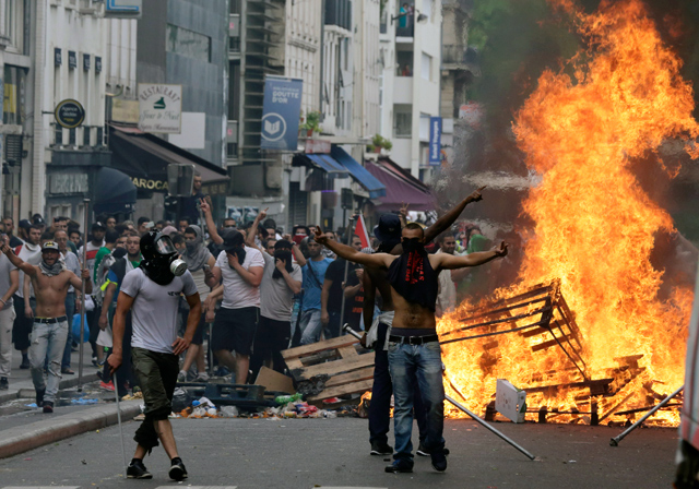 "Image: Paris protests are about rising gas taxes but the dishonest American media won't tell you why: ""Climate change"""