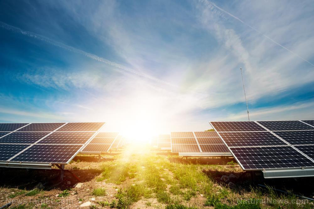 Image: New highly efficient thin-film solar cell generates more energy than typical solar panels
