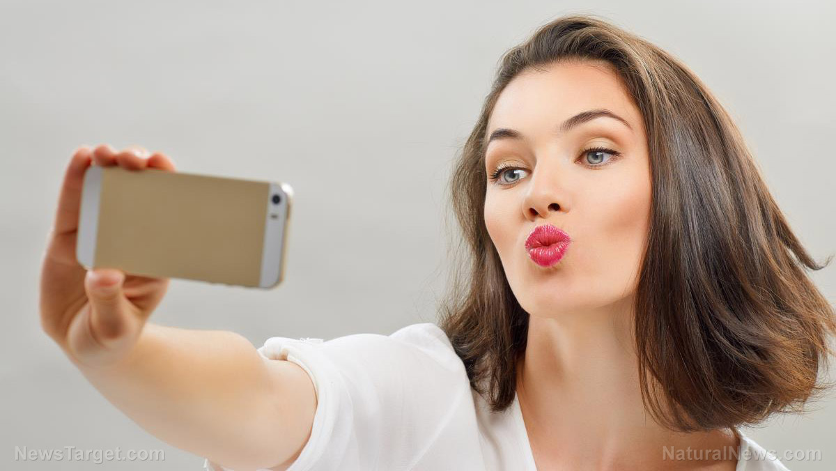 Image: Excessive use of social media is turning us into narcissists, say researchers