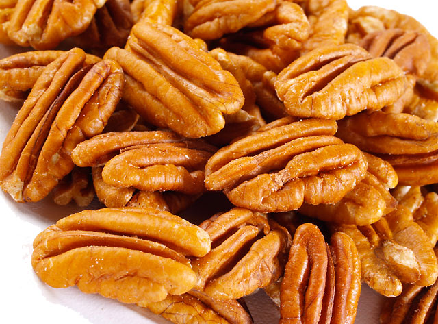 Image: Eat just one small handful of pecans every day to dramatically improve your heart health
