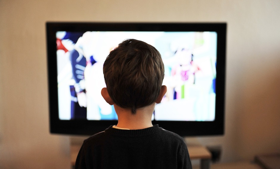 Image: Watching TV is like a drug for little kids – and it is the gateway to an unhealthy lifestyle