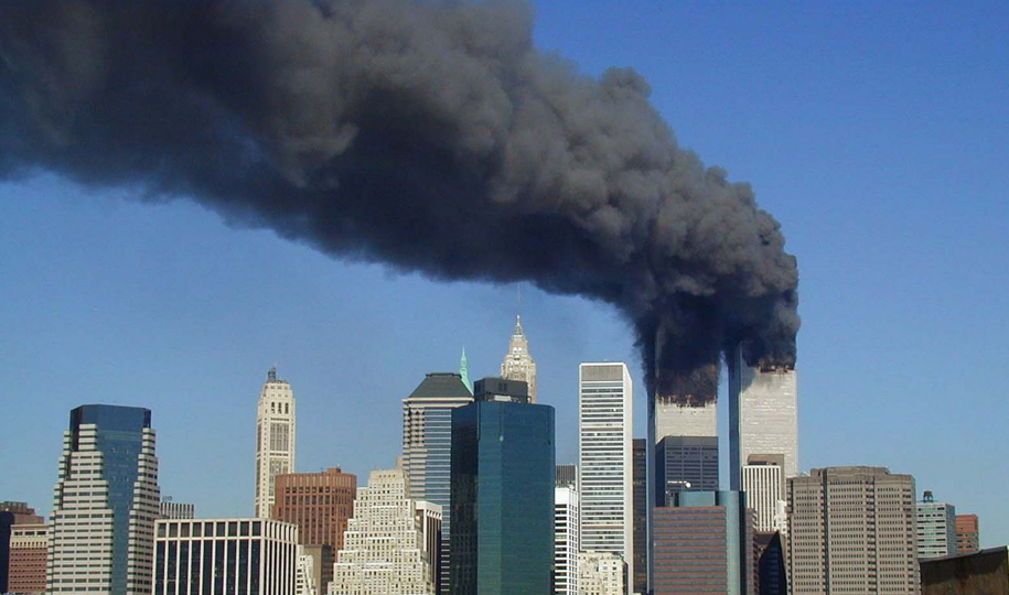 Image: FBI won't run honest investigation of Hillary Clinton crimes, but is tripping over itself to investigate the theft of files that might expose the truth about 9/11