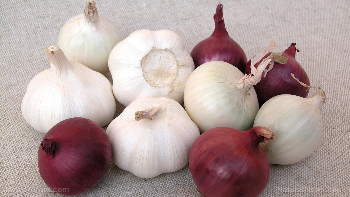 Image: What do garlic and white onion have in common? Both can lower blood pressure and prevent diabetes