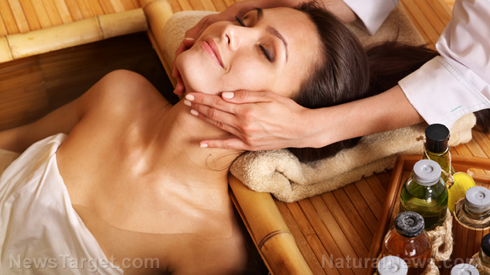 Image: Oncology massage and healing touch are natural alternatives for pain relief in cancer patients