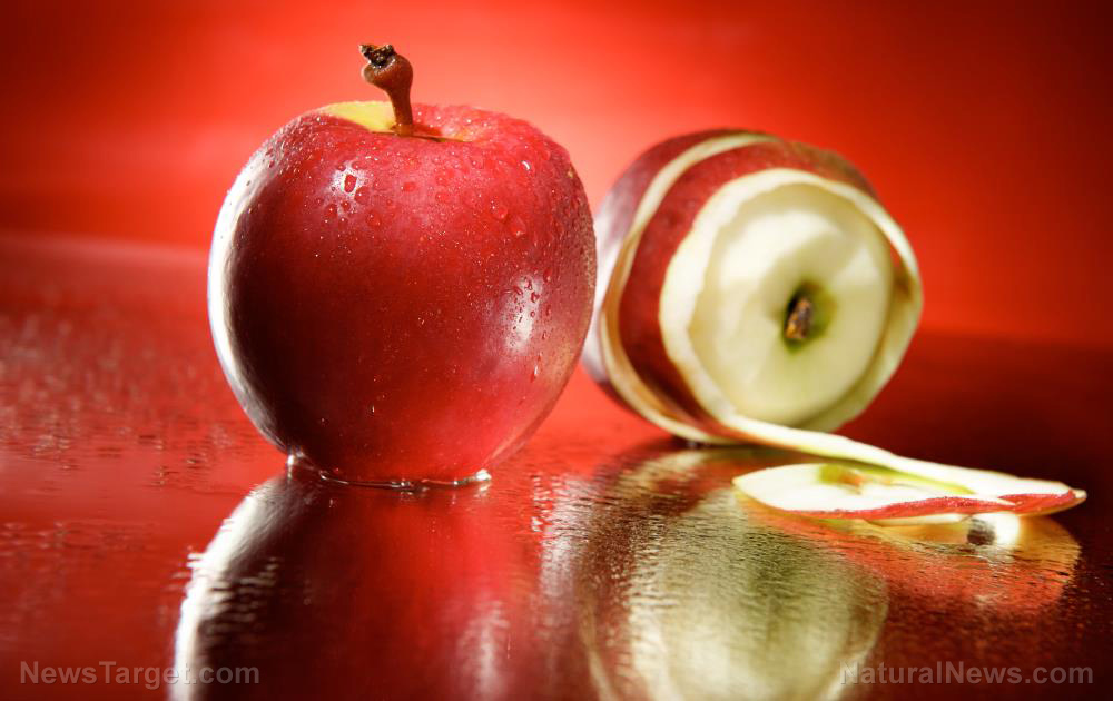 Image: Antioxidant-rich organic apple peels possess potent anti-cancer benefits