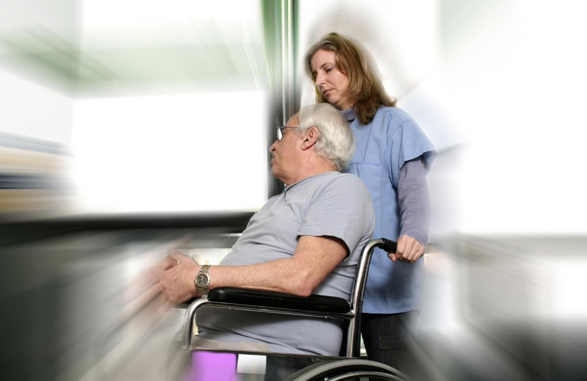 Image: Older people admitted to the hospital are at increased risk of disability and functional decline