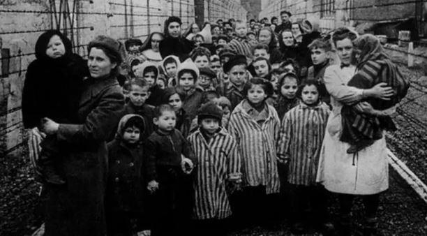 "Image: Medical tyranny gone wild in USA as New York's Mayor, Bill ""Adolf"" de Blasio, wants to force-vaccinate all Orthodox Jewish children"