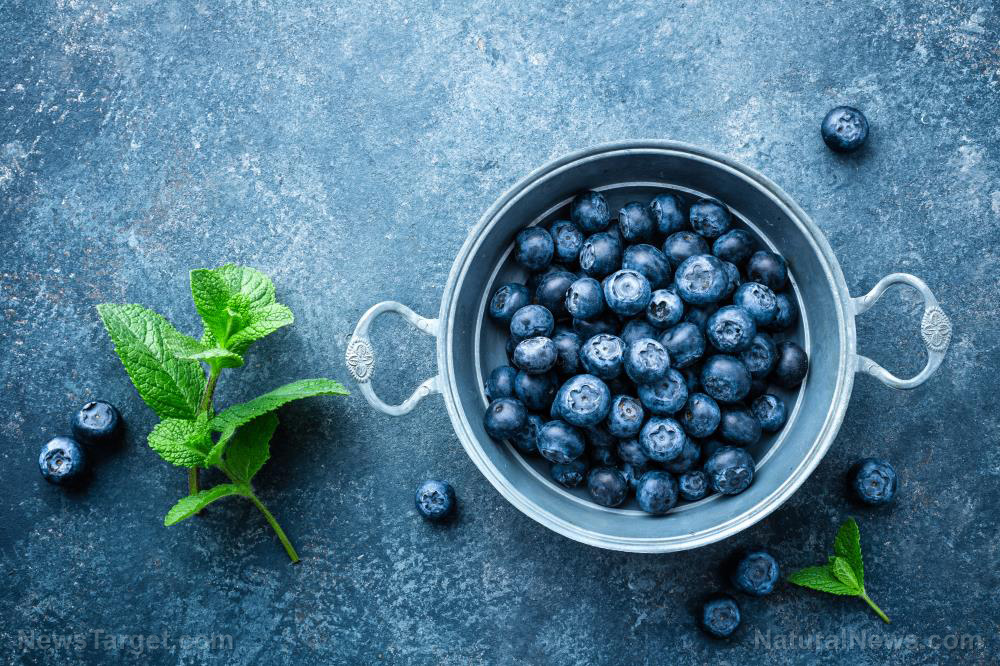 Image: Add blueberries to your diet to maintain healthy blood pressure levels