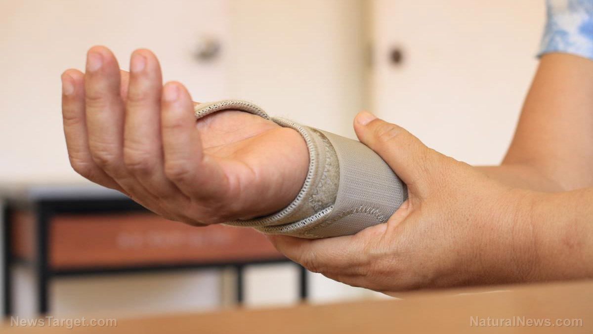 Image: Electric bandages? Researchers say they heal wounds better, faster than antibiotics