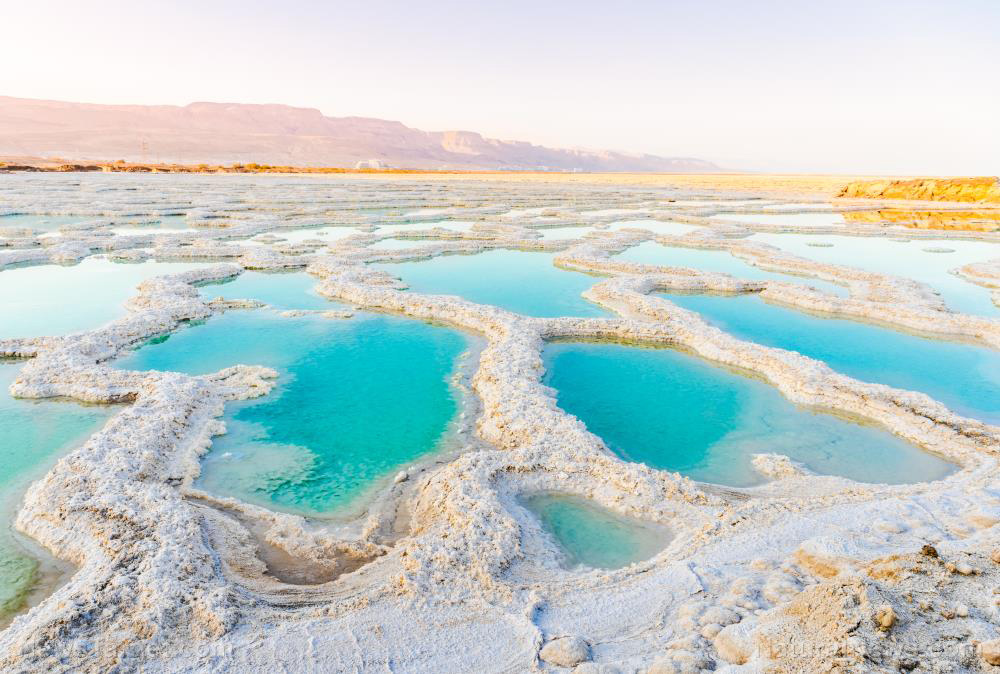 Image: Dead Sea secrets revealed: Scientists explain why salt crystals pile up in the Dead Sea