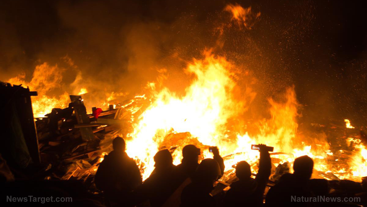 Image: Chaos in Kenosha: Wisconsin Gov. Evers sends in the National Guard to quell rioting and civil unrest
