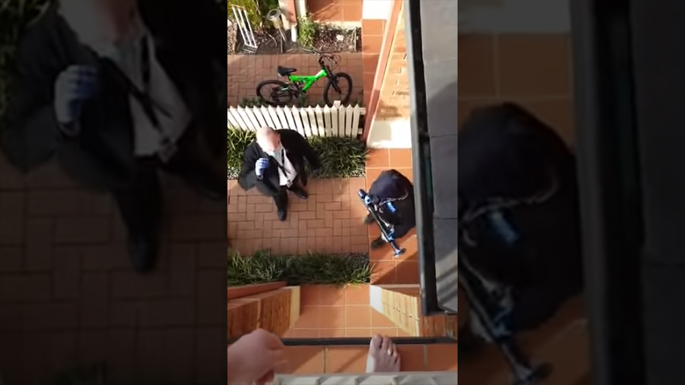Image: MEDICAL POLICE STATE TYRANNY: Australian police smash down the door of a man and violently arrest him for mentioning anti-lockdown protest