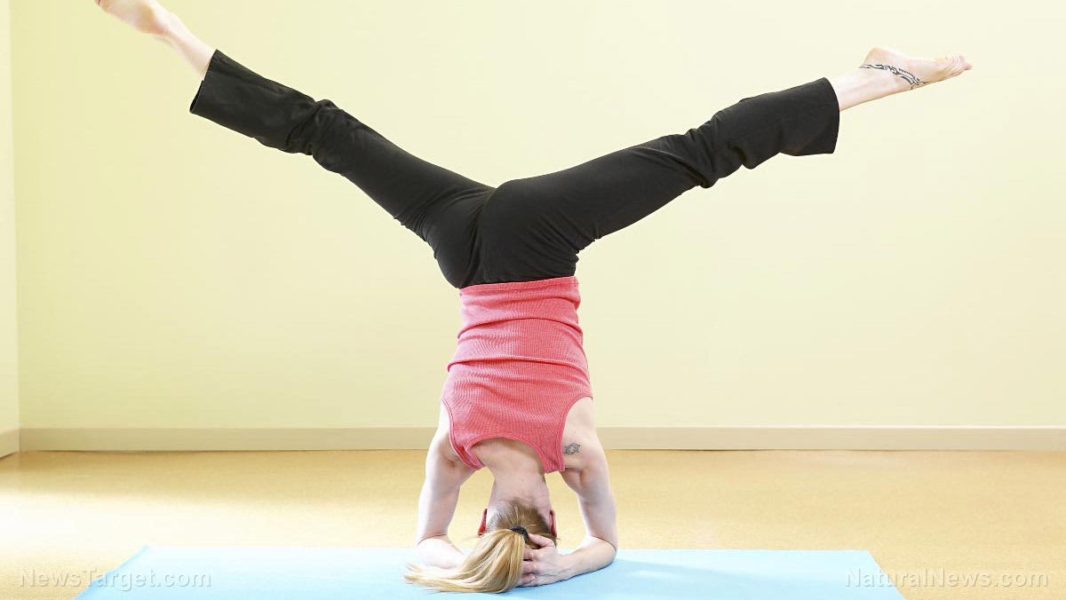 Image: Headstand yoga DOES NOT increase blood flow to the brain, study finds