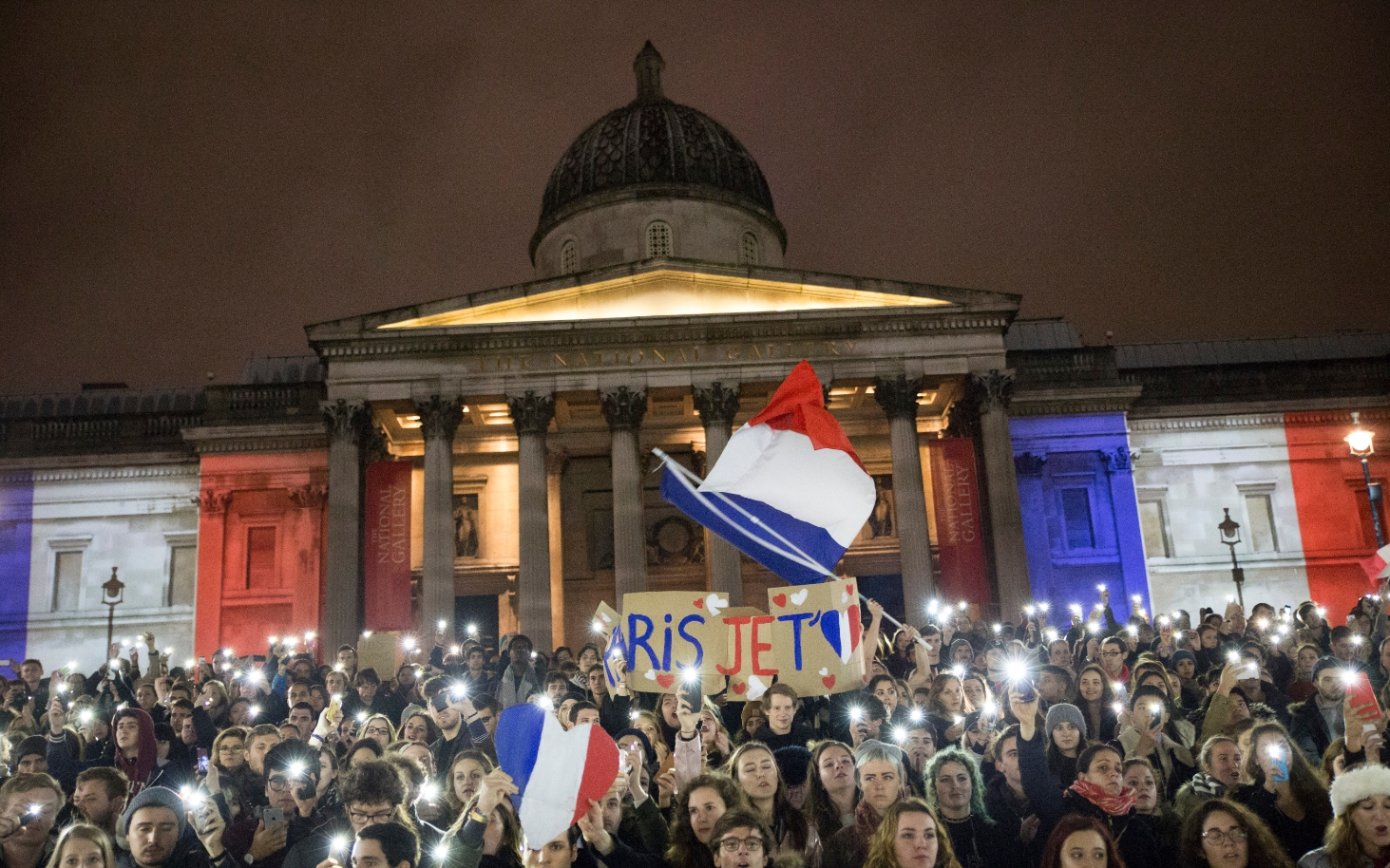 Image: French protesters show up in force to defy covid vaccination mandates