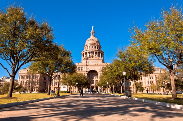 Image: SUPERSPREADERS: 6 fully vaccinated Texas State House Democrats test positive for coronavirus after fleeing the state on private jet