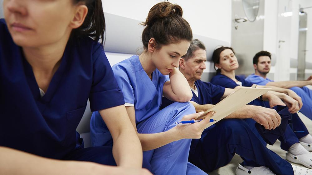 Image: MEDICAL EXODUS: Nurse quits over tyrannical covid vaccine mandates