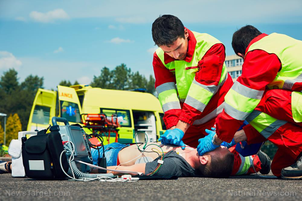 Paramedic-Ambulance-Emergency-Trauma-Resuscitation-Support-Life.jpg