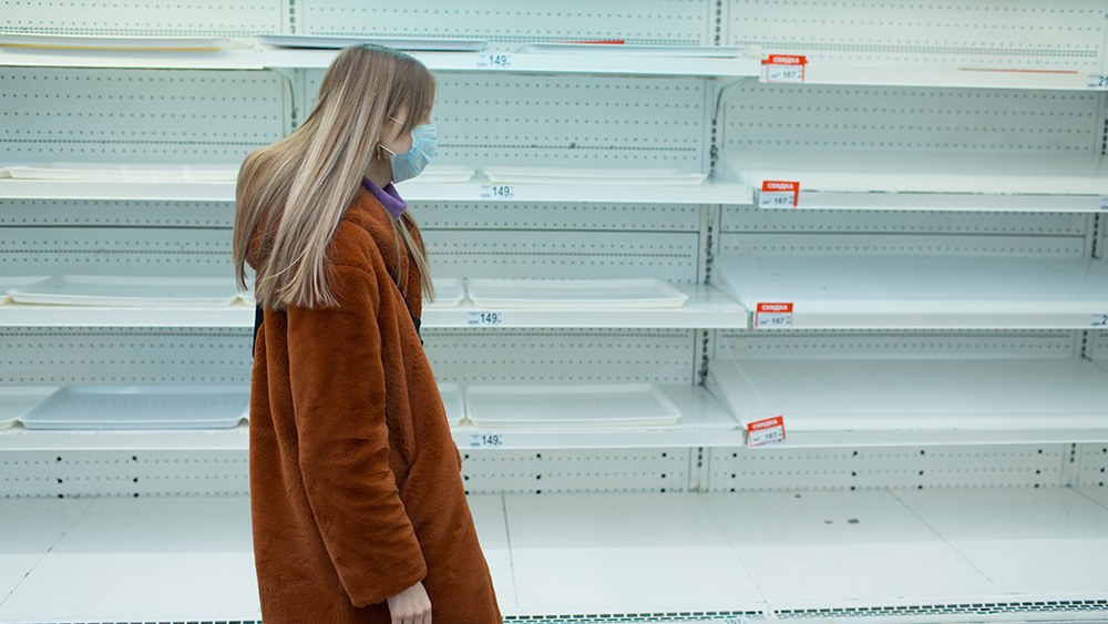 Image: Rampant theft, ongoing supply chain disruptions leaving drug store shelves in New York City barren